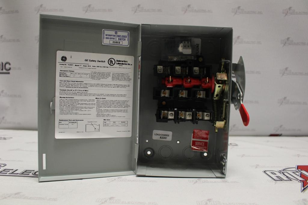 General Electric 30 Amp 3 Pole Fusible Safety Switch Catalog Number TG4321 240 Volt N1