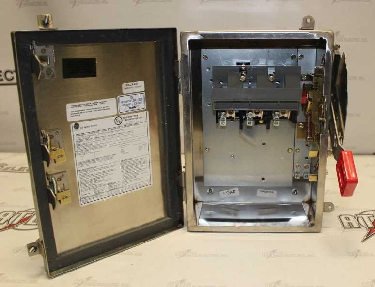 General Electric 30 Amp 3 Pole Non-Fusible Safety Switch Catalog Number THN3361SS 600 Volt N4X