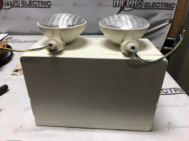 PRESCOLITE ESB7 6V 50WATT EMERGENCY FIXTURE (NEEDS NEW BATTERY PN#0120631)